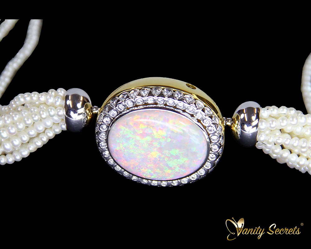 Vanity Secrets London Collier Opal freshwater Pearls