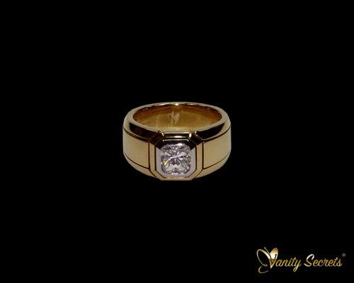 Vanity Secrets London High Jewelry - Diamond Ring Princess Cut