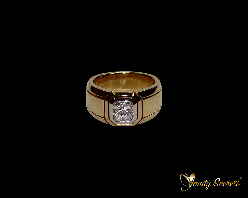 Vanity Secrets London High Jewelry - Diamond Ring Princess Cut